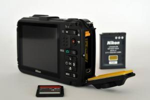 Nikon CoolPix AW100 Manual - camera side