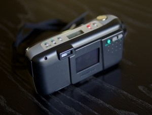 Olympus D-320 L Manual - camera back side