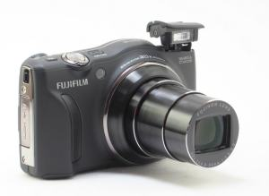 Fujifilm FinePix F775EXR Manual for Fuji's Competitive Compact with Competitive Price