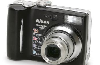 Nikon CoolPix 7900 Manual for Nikon Ultra-Portable Camera with Brilliant Image Quality