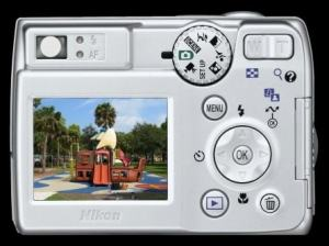 Nikon CoolPix 7600 Manual-camera rear side