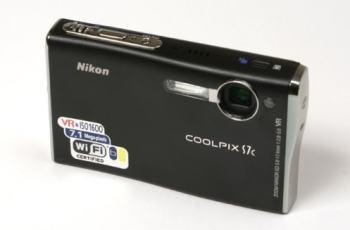 Nikon CoolPix S7c Manual - camera front face