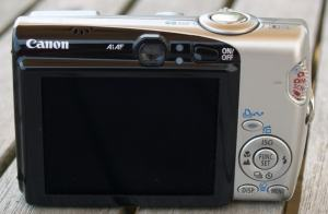 Canon PowerShot SD700 IS Manual - camera rear side
