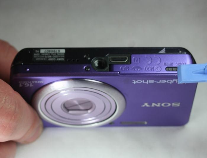 Sony DSC W570 Manual - camera side