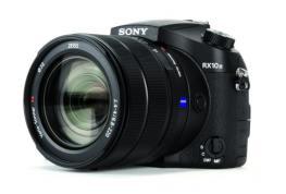 Digital Zoom Camera: Sony RX10 Mark III