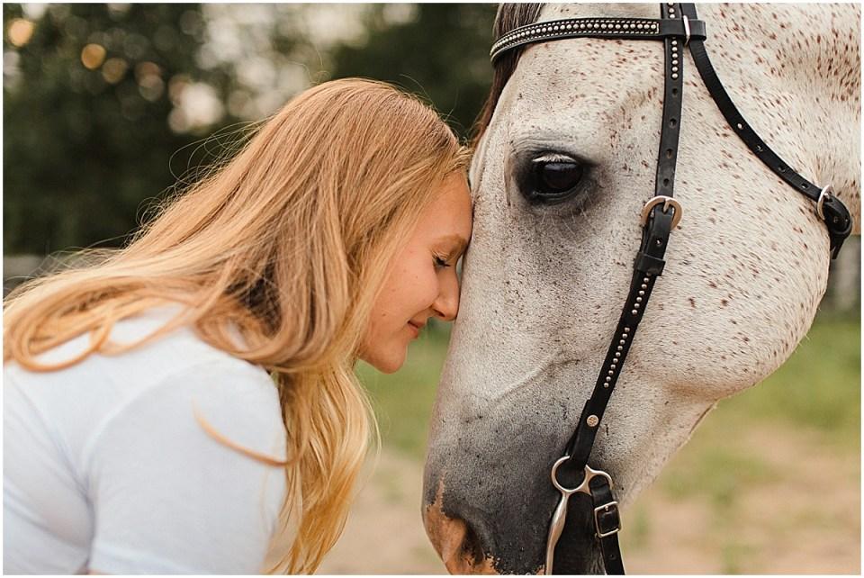 Senior Photography in Chaska Minnesota with horse_0027.jpg