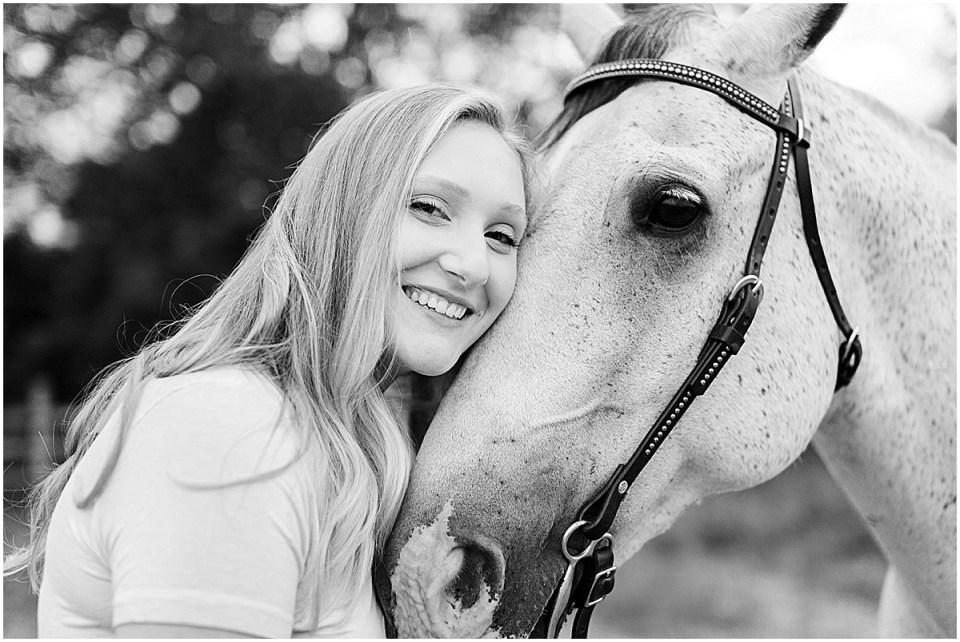 Senior Photography in Chaska Minnesota with horse_0028.jpg