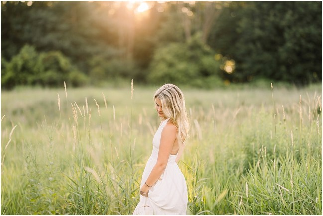 Senior Photography in Field