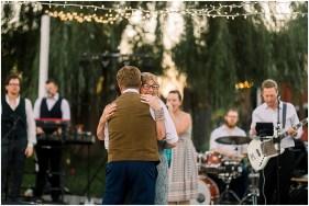 Terra Nue Farm Off beat bride non-traditional outdoor hipster wedding_0143