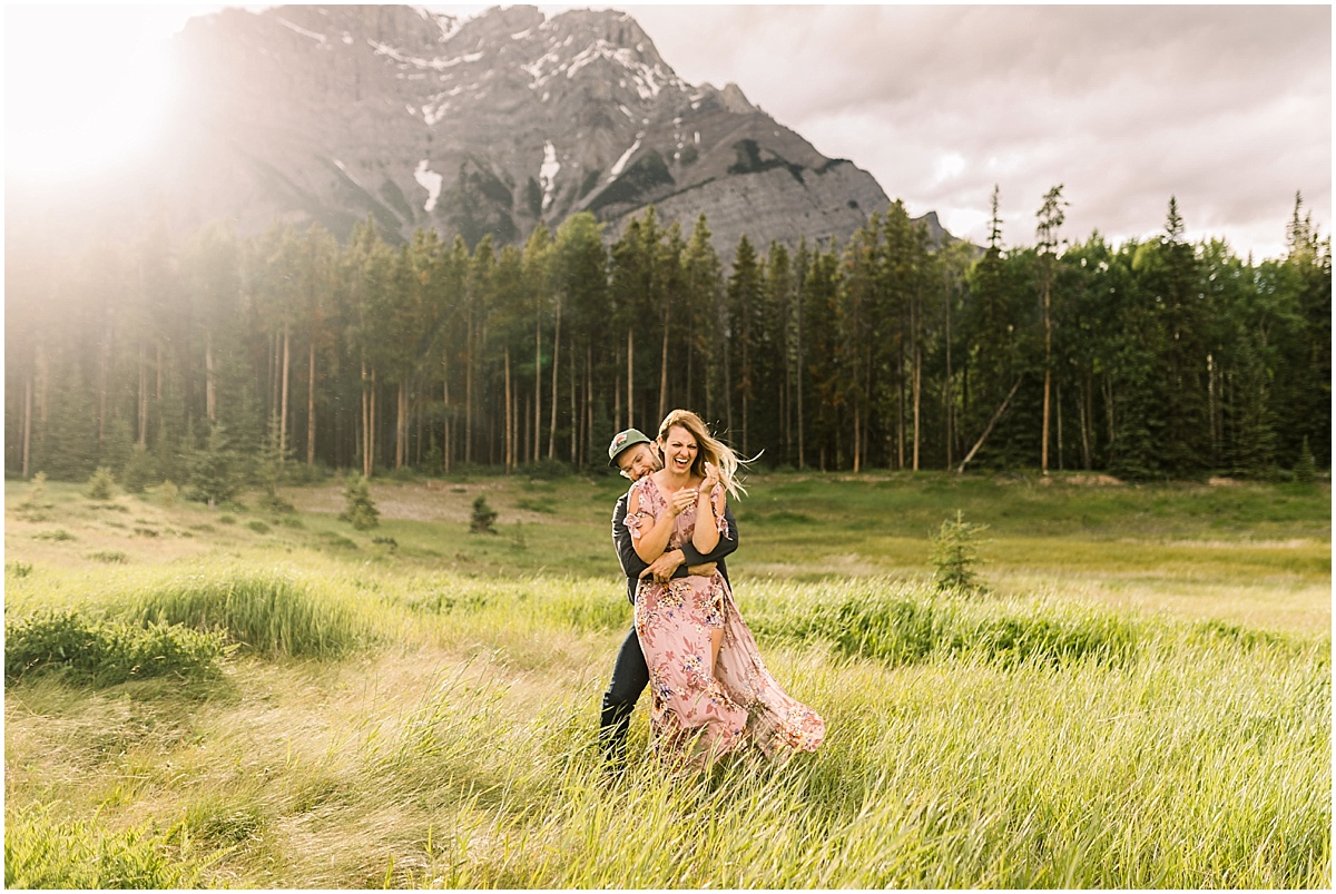 Jaw dropping destination engagement session at Banff National Park