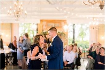 Minneapolis Minnesota Wedding and Engagement Photographer for the Joyful_0006