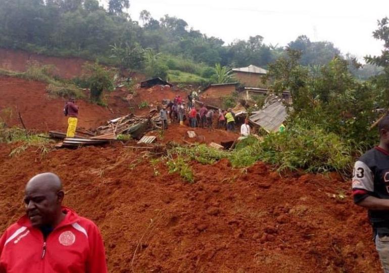 Cameroun/glissement de terrain  : le bilan s'alourdit, le chef de l'État réconforte... le gouverneur