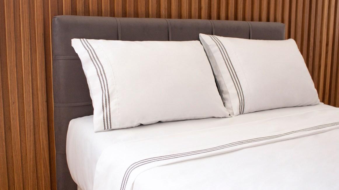 bordado-elos-cama-cinza-copy