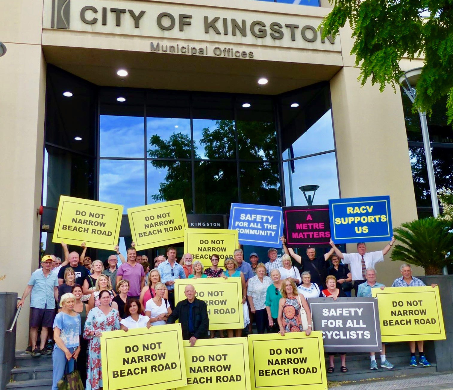 The Bay Trail: do not narrow Beach Road protestors with Cr Tamsin Bearsley on the steps of the City of Kingston by Cameron Howe