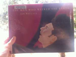 The Man Who Walked the Earth 2016 Book