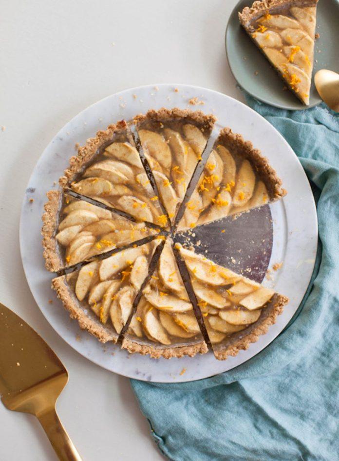 Vegan-Apple-Tart-with-Walnut-Crust-2