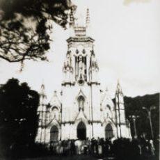 imagen enlace al portafolio de la serie de imágenes en fotografía química tradicional con cámara monocular