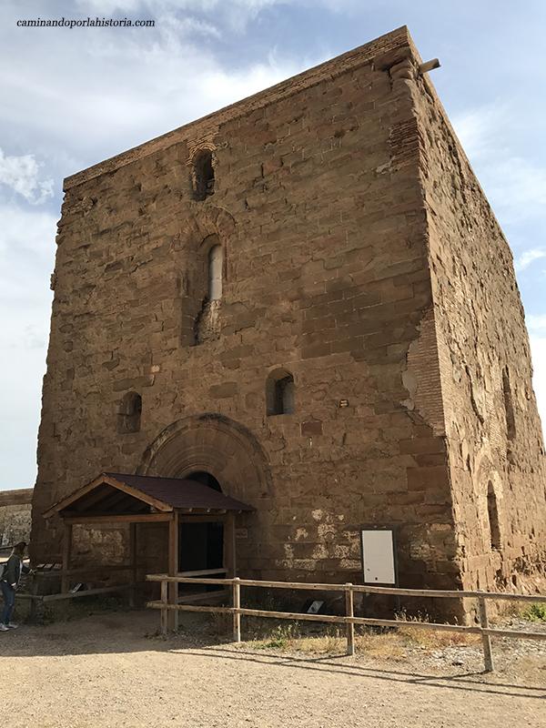 El Castillo de Monzón visto desde sus cinco de sus periodos bélicos.