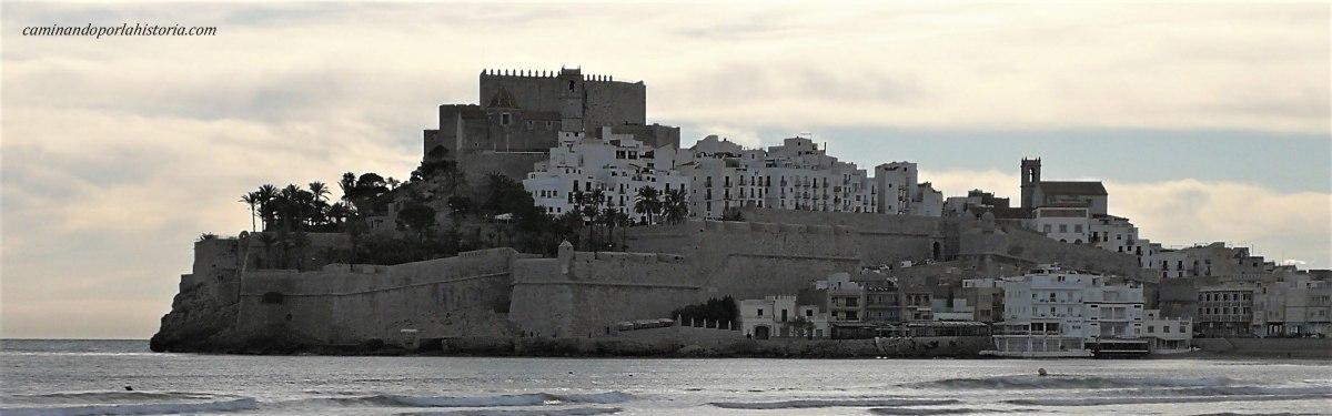 El castillo de Peñiscola, el retiro de los viejos Templarios.