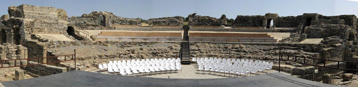 Caminando por los teatros romanos de la Antigua Hispania (III)
