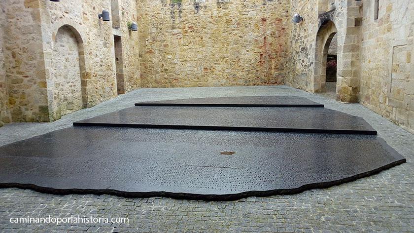 La plaza de las escrituras en Figeac