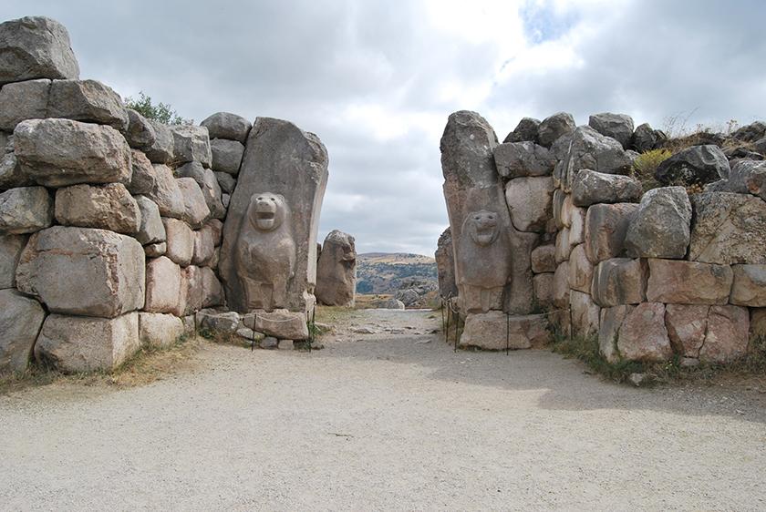 La puerta de los leones de Hatussas, la capital del Imperio de los hititas.