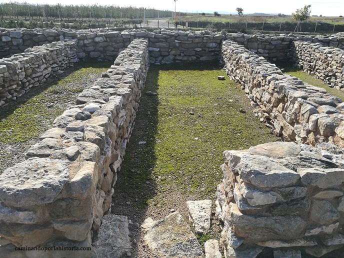 La planta de las alargadas vivienda de los íberos en Vilars d'Arbeca
