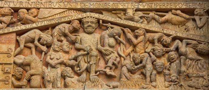 El infierno representado en Santa Fe de Conques.
