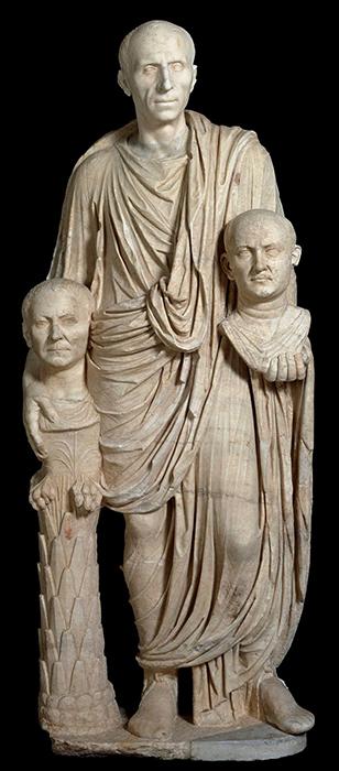 Escultura de Barbellini, mostrando el recuerdo de sus antecesores, (representación del poder de la familia romana)