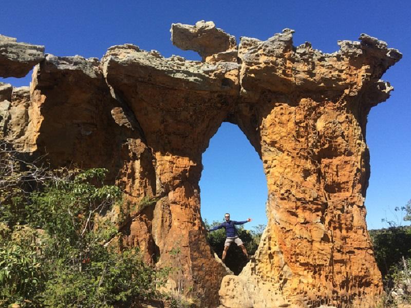 imagem-de-arco-de-rocha