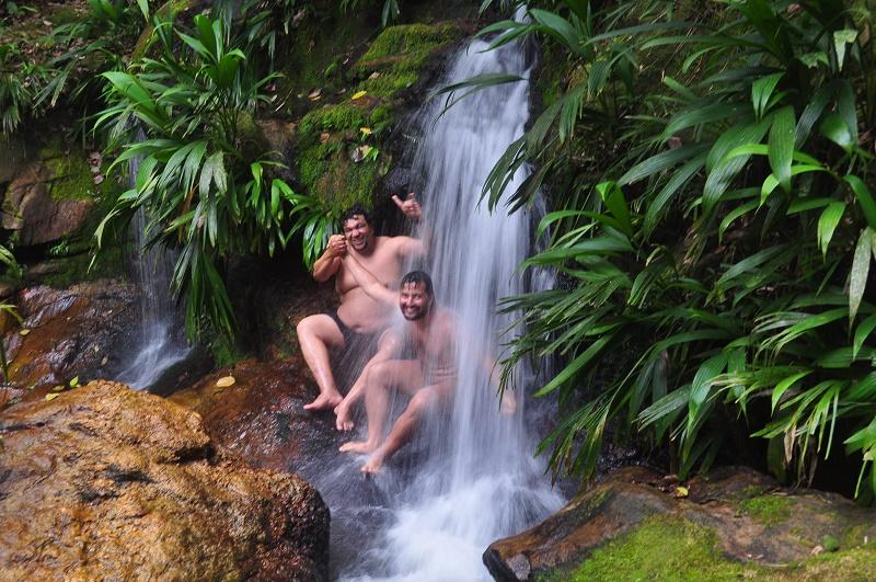 trindade e seus encantos cachoeira praia brava 1 - Trindade. Belezas naturais praias e cachoeiras em harmonia.