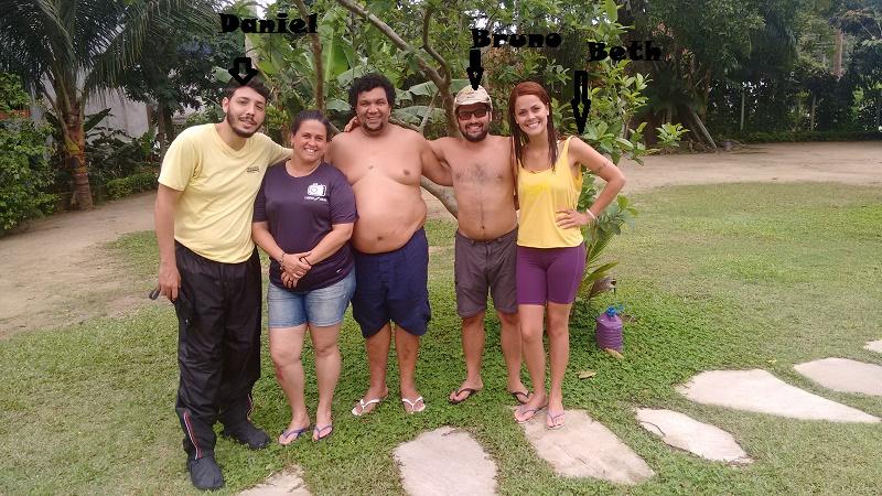 trindade e seus encantos foto dos amigos reunidos - Amigos pra vida toda, Bruno, Beth e Daniel.