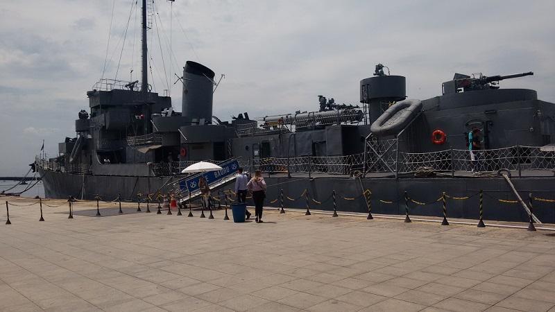 conhecendo o centro foto navio da marinho de guera - Museu do Amanhã e centro do Rio de janeiro. Lindo.