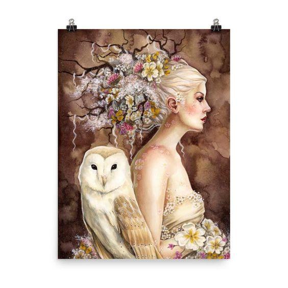 "Deusa Blodeuwedd - ""Blodeuwedd in Bloom"" by Selina Fenech - Fonte: https://fairiesandfantasy.com/collections/art-for-your-walls/products/art-print-blodeuwedd-in-bloom"