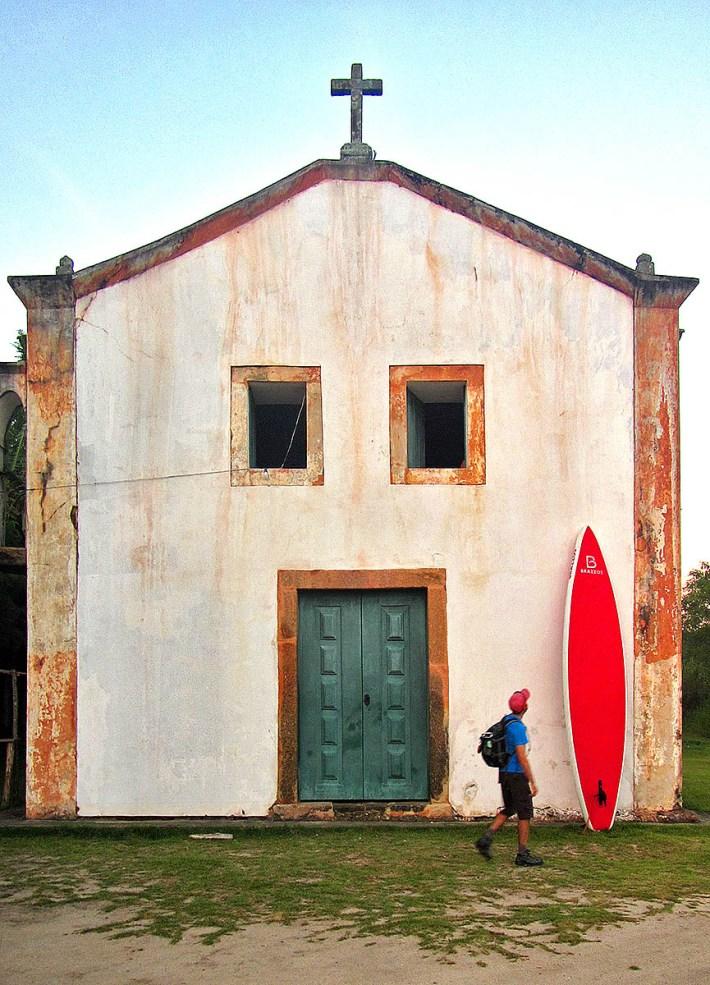 Igreja de Parati-Mirim, ponto de partida para a travessia