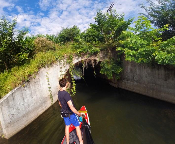 Entrada para o túnel, no Reservatório Paulo de Paiva Castro