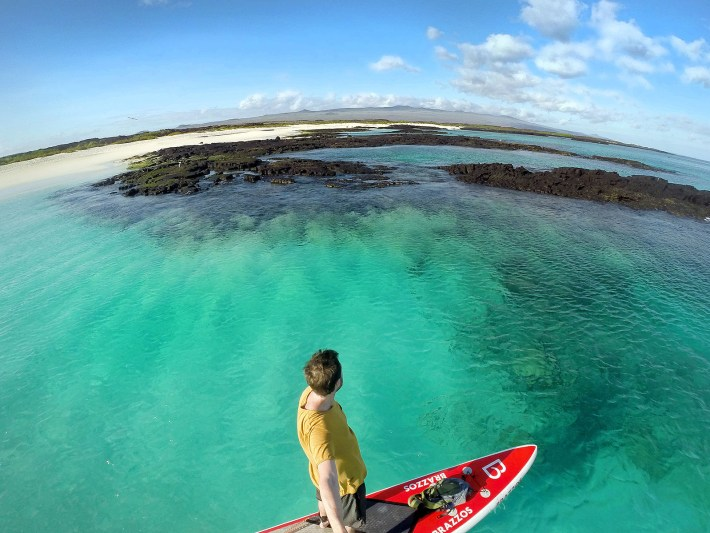 As praias de Galápagos têm arei bem branca e fina