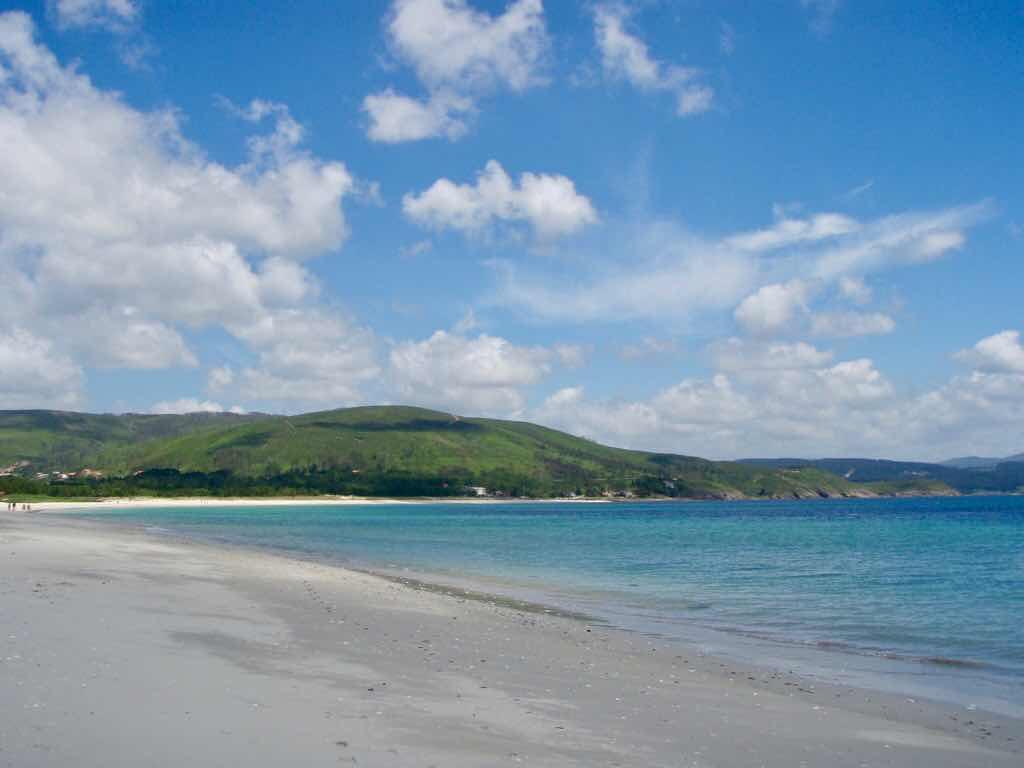 612 fisterra サンティアゴ巡礼砂浜ビーチ 大西洋 空海砂浜景色