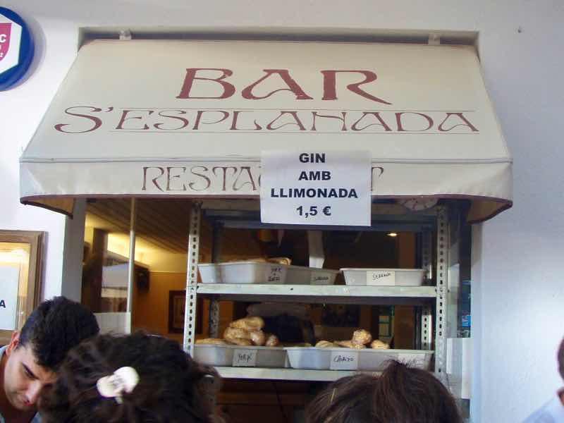 623メノルカ島 サン•フアン 馬祭り Menorca バル レモネード酒