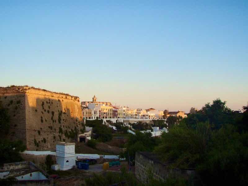 623メノルカ島 サン•フアン 馬祭り Menorca シウタデラ 眺め建物