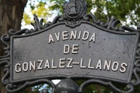 Rua dos Irmandiños and interior street in Plaza de La Constitución