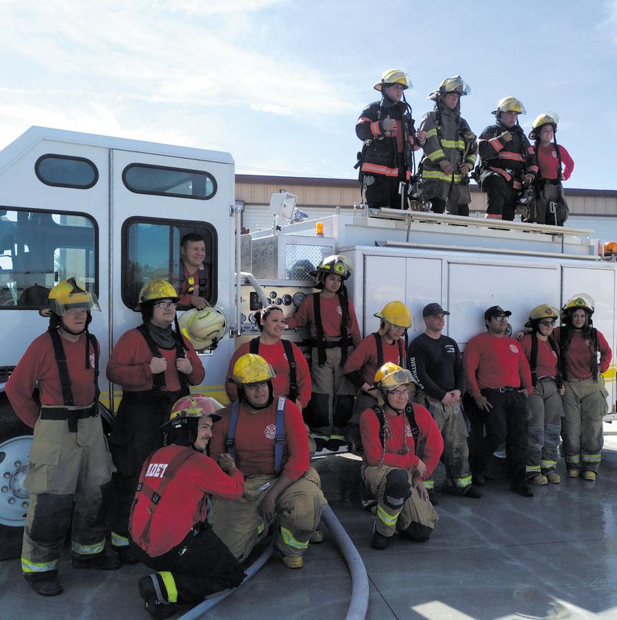 Juran 28 nuevos bomberos
