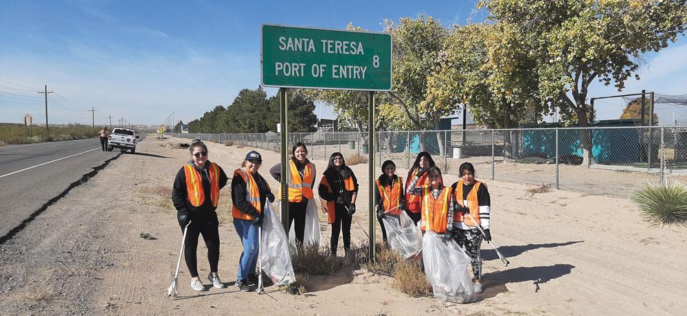Limpieza en Santa Teresa retira 500 libras de basura