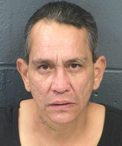 Ex empleado acusado de robo a mano armada