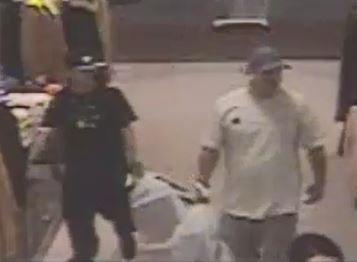 Usaron tarjetas robadas,  la policía los busca