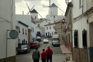 Campo de Criptana: Calle de subida al Cerro de los Molinos