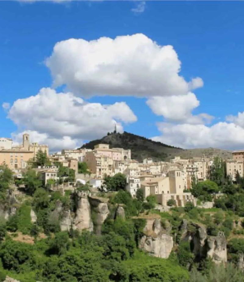 Cuenca desde el otro lado del valle