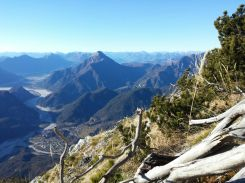 050 Il Monte Amariana dalla prospettiva del Pisimoni.00-3