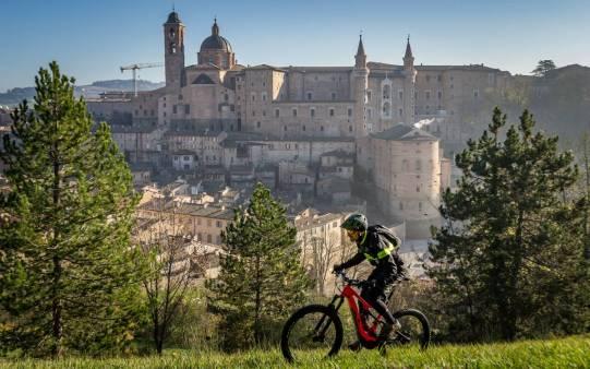 Marche-Outdoor-_PU_Urbino_Guelpa