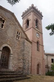 Cammino Terre Mutate Tappa 3 Camerino Fiastra Chiesa di San Paolo e Castelllo Magalotti